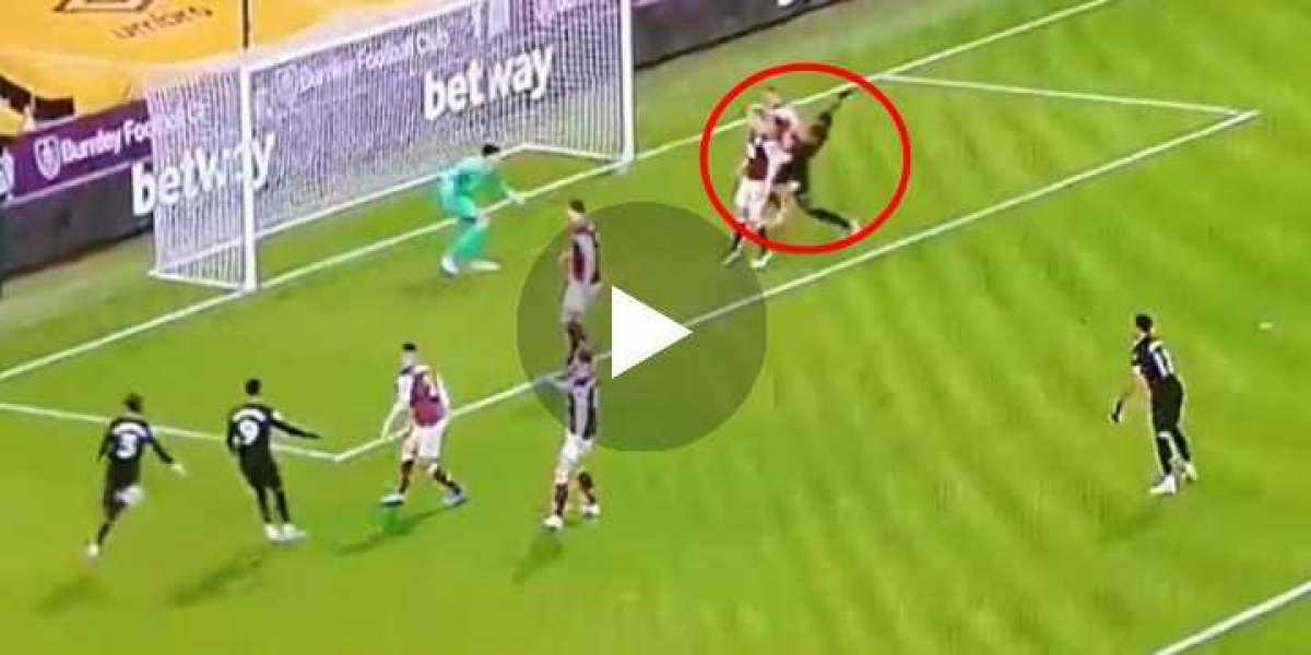 Video: GOOAAL West Ham came within inches of scoring the perfect team goal vs Burnley